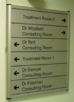 Modular flat directional  signs for building